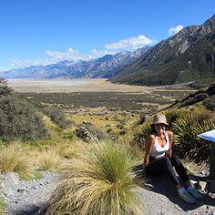 Memories from my #hiking tracks in the South of New Zealand.  . A parte mais legal de toda trip é procurar por lugares que ninguém vai. E quanto mais alto e bonito, melhor. Ahhh, não me canso de mostrar a Nova Zelândia!  . #newzealand #nomadiccarol #carolprates