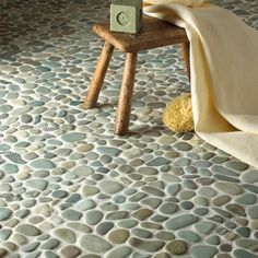 Pebble mosaic in the bathroom