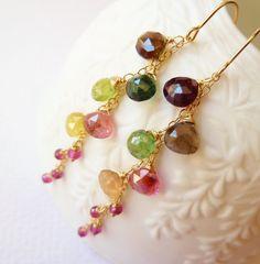Watermelon Tourmaline long gold earrings. Dangle por TatianaG