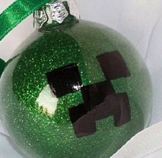 My cousin loves Minecraft this is a cute and easy to make gift! Minecraft Gifts, Minecraft Christmas, Minecraft Stuff, Minecraft Party, Minecraft Ideas, Diy Christmas Ornaments, Christmas Fun, Christmas Bulbs, Christmas Decorations