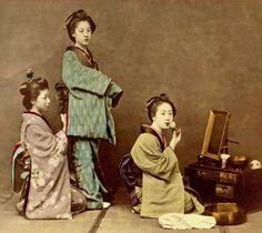 Retro Photos of Japanese Geisha