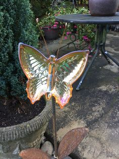 Glass Garden Flowers, All Flowers, Thrifting, Recycling, Create, Animals, Animales, Animaux, Budget