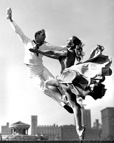 Bob Lerner this is Fancy Free with Rod Alexander and his dance partner wife,Bambi Linn in 1952 at Grant Park for an illustration of a Look magazine cover story. http://digitaljournalist.org/issue0403/images/lerner/00.gif