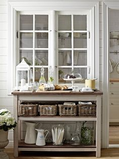 Check out Kejsarkrona limited summer collection from Ikea. Designed for summer house or lake house. Style At Home, Ikea Island, Kitchen Island, Cozinha Shabby Chic, Blog Deco, Modern Farmhouse Kitchens, White Rooms, Modern Country, Country Style