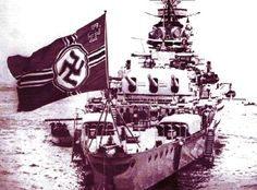 El Admiral Graf Spee. Crucero pesado que sirvió con la Kriegsmarine de la Alemania nazi en la II Guerra Mundial. El buque fue nombrado en honor del almirante Maximilian von Spee, comandante del Escuadrón de Asia Oriental que luchó en las batallas de Coronel y de las islas Malvinas durante la Primera Guerra Mundial. Botado el30 de junio de 1934. El acorazado de la armada nazi fue volado y se hundió en el Río de la Plata el 13 de diciembre de 1939, el capitán alemán se suicidó en Buenos Aires.