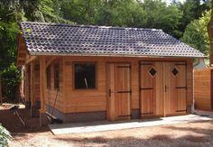 Authentieke kapschuur. een aanvulling voor uw tuin! Jaro Houtbouw is o.a. gespecialiseerd in het bouwen van houten woningen, chalets, ateliers, schuren, garage`s, veranda`s, paardenstallen en mantelzorg woningen.