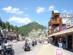 south dakota attractions | The History of Keystone, South Dakota Family Road Trips, Road Trip Usa, New Travel, Travel Usa, Keystone South Dakota, Sturgis 2015, Bike Rally, Motorcycle Rides, Usa 2016