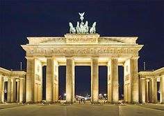 Google Image Result for http://wikitravel.org/upload/shared//thumb/7/74/Berlin_Brandenburger_Tor_Nacht.jpg/250px-Berlin_Brandenburger_Tor_Nacht.jpg