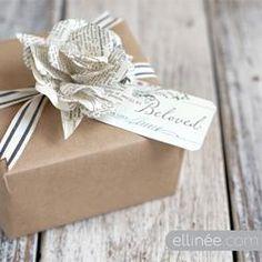DIY Paper Flower Gift Wrap Topper