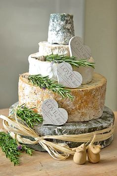 Wedding Food - Cheese wheel wedding cake is one of the most unique alternatives to a traditional wedding cake. This idea is perfect for a vineyard or farm wedding. Wedding Cake Designs, Wedding Cake Toppers, Wheel Cake, Wedding Cheesecake, Wedding Cake Alternatives, Traditional Wedding Cakes, Wooden Cake, Wedding Cake Rustic, Wedding Reception