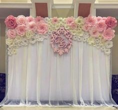 Paper flowers - great photobooth backdrop