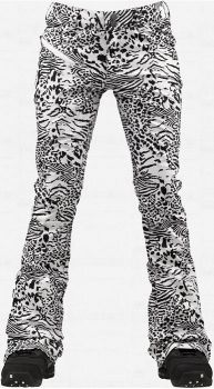 Designer jean look and price with WAY more bang for your buck. At waterproof, the Burton TWC Sugartown Womens Snowboard Pants are a fashion-meets-function pant for the ladies who like to look good Colorado Snowboarding, Snowboarding Women, Snowboarding Style, Beach Volleyball, Celebrity Casual Outfits, Mountain Biking, Snow Outfit, Lazy Day Outfits, Ski Season