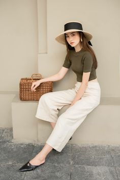 Fashion Tips Hijab .Fashion Tips Hijab Casual Work Outfits, Mode Outfits, Simple Outfits, Classy Outfits, Chic Outfits, Pretty Outfits, Fashion Outfits, Fashion Hacks, Hijab Fashion