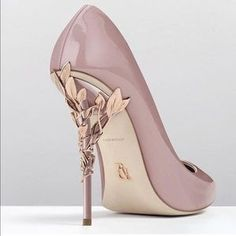 Shoes: pink gold high heel pumps high heels d & # orsay pumps heels mauve Pretty Shoes, Beautiful Shoes, Cute Shoes, Me Too Shoes, Gorgeous Heels, Hello Gorgeous, Simply Beautiful, Absolutely Gorgeous, Beautiful Images