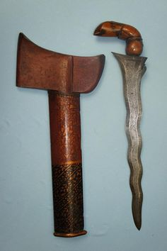 A very rare 9 luk Chieftan Bugus Keris. Swords And Daggers, Knives And Swords, Perfume Recipes, Indonesian Art, Iron Art, Cold Steel, Hobbies And Crafts, Weapons, Thailand