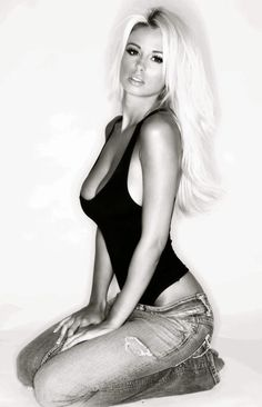 Bellissima!!!! ♥~(ಠ_ರೃ) Très Belle Femme ღ♥♥ღ Sexy!!! -♡- Sexy