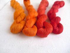 Satz 4 Leinen Stränge  rot  orangeMix von YarnStories auf Etsy, €16.80