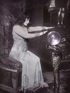 Vintage photo of a gypsy & her 'crystal ball'. Gypsy Fortune Teller, Maleficarum, Elfa, Gypsy Life, Gypsy Soul, Gypsy Eyes, Mystique, Fortune Telling, Vintage Circus