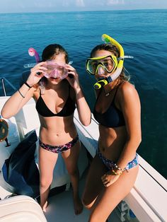 How to Take Good Beach Photos Friend Pictures, Friend Pics, Swimsuits, Bikinis, Swimwear, Beautiful Athletes, Scuba Girl, Bff, Bestfriends