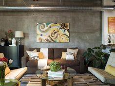 Google Image Result for http://hgtv.sndimg.com/HGTV/2008/06/12/lori-dennis-loft-living-room_lg.jpg
