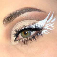 Makeup Eye Looks, Eye Makeup Art, Skin Makeup, Eyeshadow Makeup, Angel Halloween Makeup, Halloween Makeup Looks, Angel Make Up Halloween, Scary Halloween, Dark Angel Makeup
