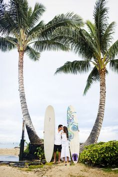 Unique Wedding Photos Surfing | Wedding Ideas and Inspiration Blog