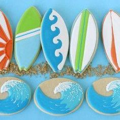 Wave and Surfboard Cookies(tutorial) - by Glorious Treats for a nautical theme baby shower Spring Cupcakes, Summer Cookies, Beach Cupcakes, Iced Cookies, Royal Icing Cookies, Baby Cookies, Heart Cookies, Snowflake Cookies, Christmas Cookies