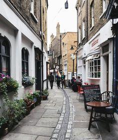 Saturday mooches around Greenwich market London