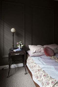 Dark bedrooms Kate Connors (via Bloglovin.com )