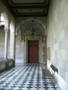 Universitat de Barcelona checkerboard