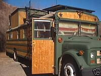 Lots of skoolie pictures, both interior and exterior. Great site! Bus House, School Bus Tiny House, Magic School Bus, School Bus Camper, School Buses, Wheels On The Bus, House On Wheels, Bus Interior, Short Bus