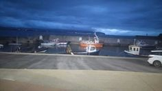 The portstewart harbour in the gloaming