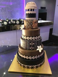 Best Picture For zulu traditional wedding cakes For Your Taste You are looking for something, and it is going to tell you exactly what you are looking Tongan Wedding, Samoan Wedding, Polynesian Wedding, Cool Wedding Cakes, Wedding Cake Designs, Wedding Cake Toppers, 21st Cake, 21st Birthday Cakes, African Wedding Cakes