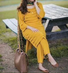 Beautiful Pakistani Dresses, Pakistani Dresses Casual, Pakistani Dress Design, Girls Frock Design, Fancy Dress Design, Girls Dresses Sewing, Stylish Dresses For Girls, Beautiful Dress Designs, Stylish Dress Designs