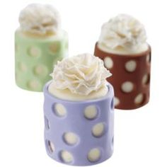 Carnation Spotlight Mini Cake. Perch gum-tex carnations atop petit fours for a flirty finish.