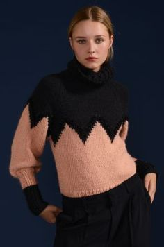 Pearl Pull : Alpaga, Soie, Polyamide › Pull › Femme › Laines Bouton d'Or Pull Mohair, Vintage Knitting, Knitwear, Knitting Patterns, Turtle Neck, Stitch, Crochet, Sweaters, Fashion Design