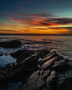 The perfect back drop 🎣🌅 #camkix #sunset #sunrise #sunset_pics #sunsetbeach #sunrise_and_sunsets_aroundworld #water #peace #sea #fishing #perfect #lrf #rockfishing #cloudporn #sunsetphotography #plymouth #devon #sky #mood