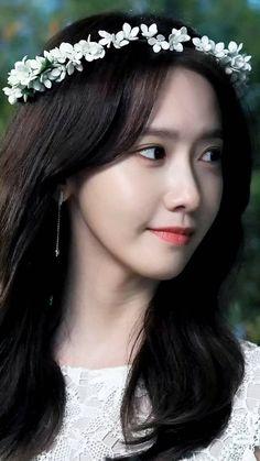 Sooyoung, Yoona Snsd, Girls Generation, Taeyeon Jessica, Im Yoon Ah, Gorgeous Women, Beautiful, Instyle Magazine, Cosmopolitan Magazine