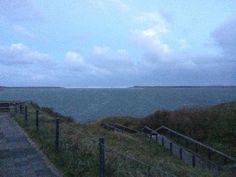 Bij extreem hoogwater, met springvloed en storm kan de Slufter tot aan de trap vollopen met zeewater.