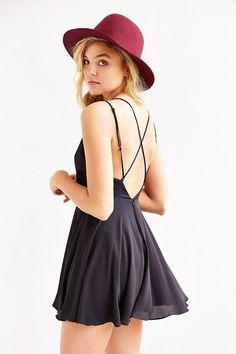 vestido skater - http://vestidododia.com.br/modelos-de-vestido/vestidos-skater/vestidos-skater/