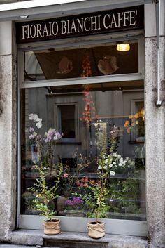 Fioraio Bianchi caffè Milan inside Flower shop.