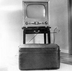 Televisio 1950-luvun alusta, jolloin televisiot yleistyivät.