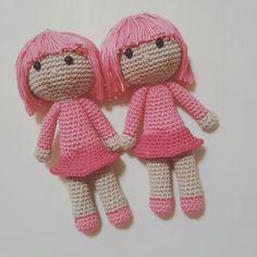 Ravelry: Muñeca Rosita pattern by Isabel Montes Crochet Patterns Amigurumi, Crochet Dolls, Ravelry, Hello Kitty, Bunny, Teddy Bear, Grande, Animals, Languages