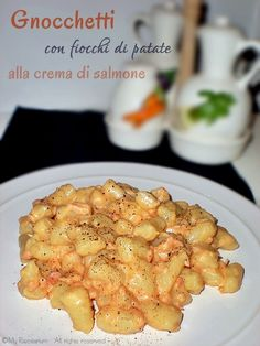 Gnocchi with potato flakes and cream salmon - Gnocchetti con fiocchi di patate alla crema di salmone