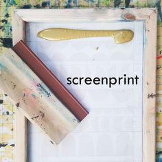 Screen printing designs stencil freezer paper 67 Ideas for 2019 Diy Screen Door, Diy Door, Best Green Screen, Freezer Paper Stenciling, Classroom Projects, Screen Design, Stencil Designs, Surface Design, Screen Printing