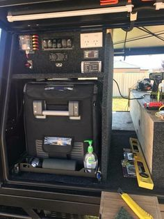 Survival camping tips Ute Camping, Camping Canopy, Camping Set Up, Truck Camping, Land Rover Discovery, Custom Ute Trays, Dual Battery Setup, Ute Canopy, Tactical Truck