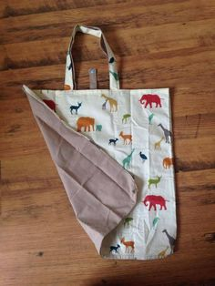 Reusable Tote Bags, Diy Projects, Sewing, Voici, Simple, Baskets, Boxes, Friday, Business