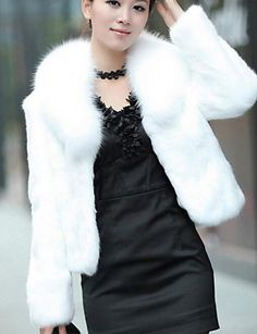 bcd1307aed2f0 Women s Causal   Holiday Chic   Modern Winter Short Fur Coat