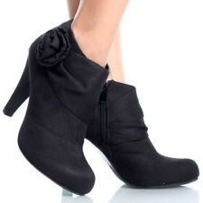 Cute Black Ankle boots if i ever dare to wear heels (: