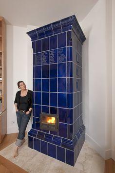 "Masonry stove ""Kachelofen"" by Jessica Steinhauser Rocket Mass Heater, Wood Fuel, Vintage Stoves, Stove Oven, Coal Stove, Stove Fireplace, Rocket Stoves, Hearth, House Design"